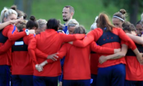 Mark Sampson eyes 100% group-stage record as England prepare for Portugal