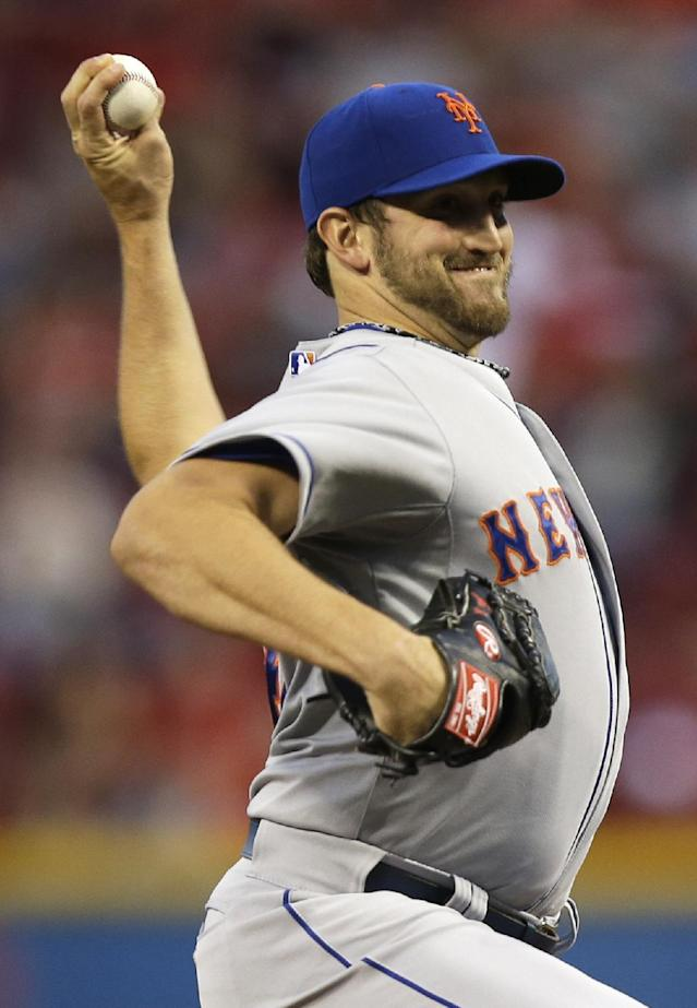 New York Mets starting pitcher Jonathon Niese throws against the Cincinnati Reds during the first inning of a baseball game, Tuesday, Sept. 24, 2013, in Cincinnati. (AP Photo/Al Behrman)