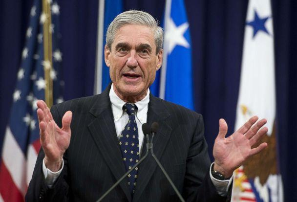 PHOTO: FBI Director Robert Mueller speaks during a farewell ceremony in Mueller's honor at the Department of Justice, Aug. 1, 2013. (Saul Loeb/AFP/Getty Images)