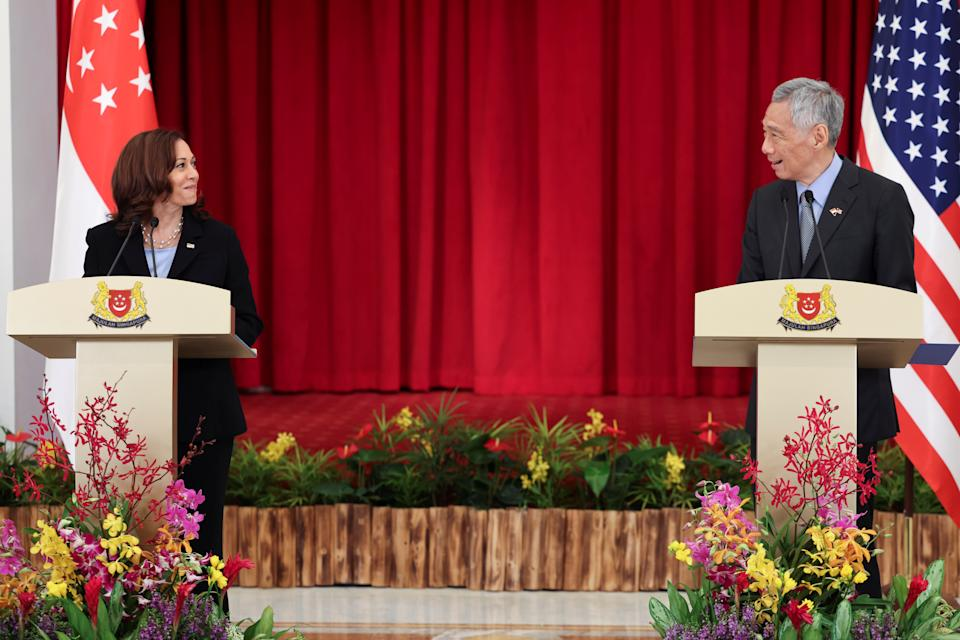 U.S. Vice President Kamala Harris and Singapore's Prime Minister Lee Hsien Loong hold a joint news conference in Singapore, August 23, 2021. REUTERS/Evelyn Hockstein/Pool