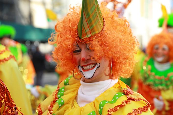 A member of the Hi-Roller Skating Clowns before the 93rd Macy's Thanksgiving Day Parade in New York. (Photo: Gordon Donovan/Yahoo News)
