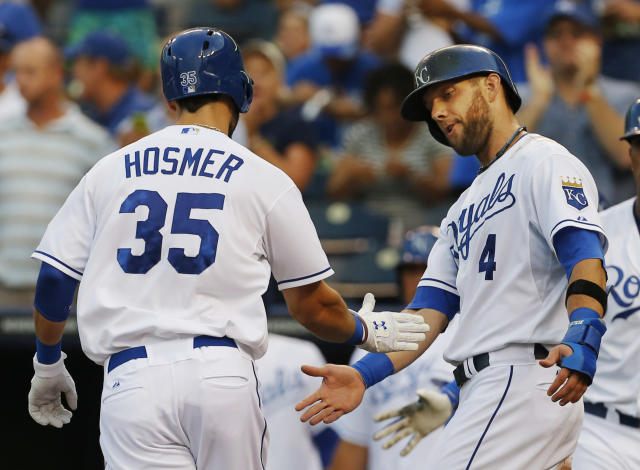 Nationals rally back, hold off Royals 11-10