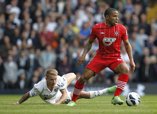 "Southampton's English midfielder Jason Puncheon (R) vies with Tottenham Hotspur's German midfielder Lewis Holtby (L) during the English Premier League football match between Tottenham Hotspur and Southampton at White Hart Lane in north London on May 4, 2013. Tottenham won the game 1-0. AFP PHOTO / IAN KINGTON RESTRICTED TO EDITORIAL USE. No use with unauthorized audio, video, data, fixture lists, club/league logos or ""live"" services. Online in-match use limited to 45 images, no video emulation. No use in betting, games or single club/league/player publicationsIAN KINGTON/AFP/Getty Images"