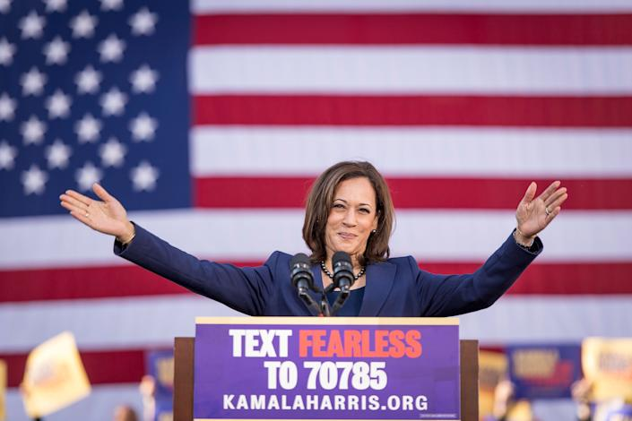 Senator Kamala Harris, a Democrat from California, gestures while speaking during an event to launch presidential campaign in Oakland, California, U.S., on Sunday, Jan. 27, 2019. (David Paul Morris/Bloomberg)