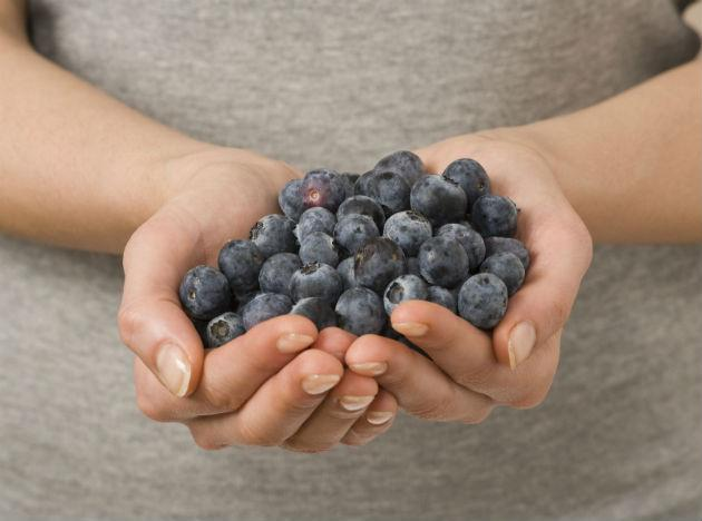 <b>Blueberries <br></b>All berries are good for you, but those with a blue hue are among the best of the bunch. They have the highest antioxidant level of all commonly consumed fruit. They also deliver 3.6 grams of fiber per cup.<br><b>Eat more</b> Instead of topping your cereal with fruit, fill your bowl with blueberries, then sprinkle cereal on top and add milk or yogurt, Iserloh recommends.
