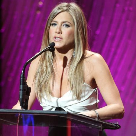 Jennifer Aniston 'to wed in weeks'