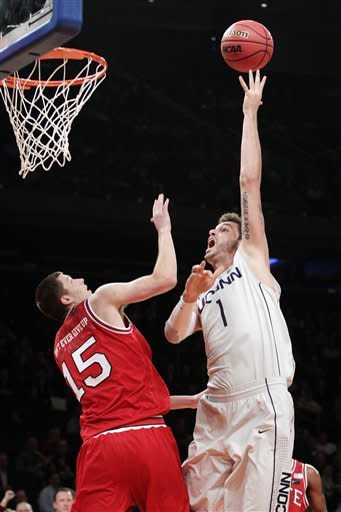 No. 25 NC State beats Connecticut 69-65