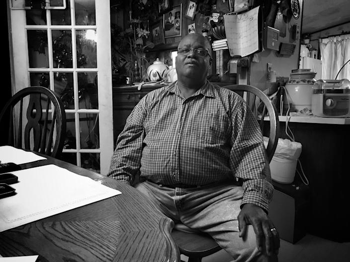 Charlie Dillard in his home in Winstonville, Miss. (Photo: Holly Bailey/Yahoo News)