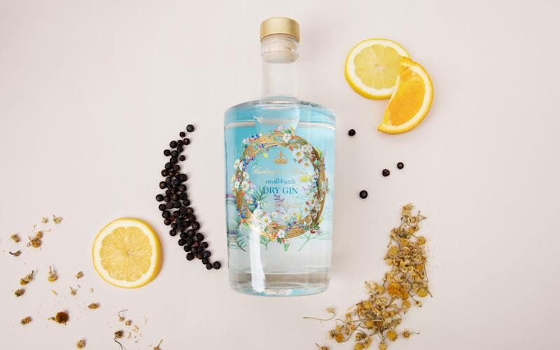 Ingredients for the royal gin are picked at Buckingham Palace - RCT