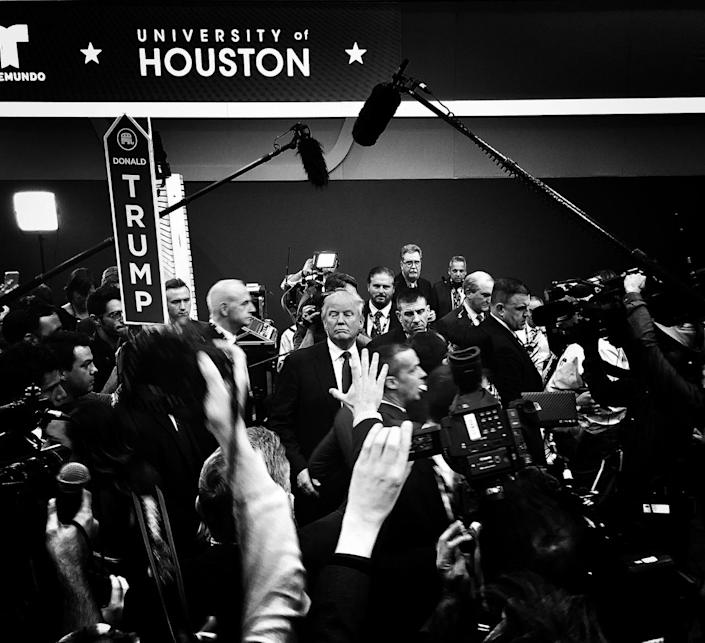 <p>Donald Trump speaks to reporters in the spin room after a Republican presidential debate, Feb. 25, Houston, Texas. (Photo: Holly Bailey/Yahoo News) </p>