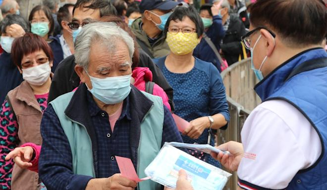 Elderly people are among those queuing for masks in Tai Wai. Photo: Felix Wong