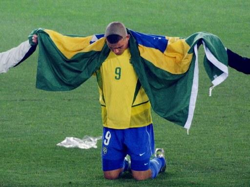 Ronalo's 2002 World Cup hairdo may have been Brazil's lucky omen, but it just looks like he balding backwards.