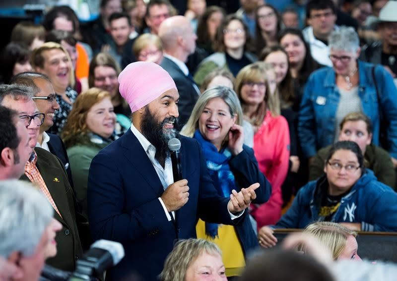Singh would use federal money to 'encourage' provinces on health services