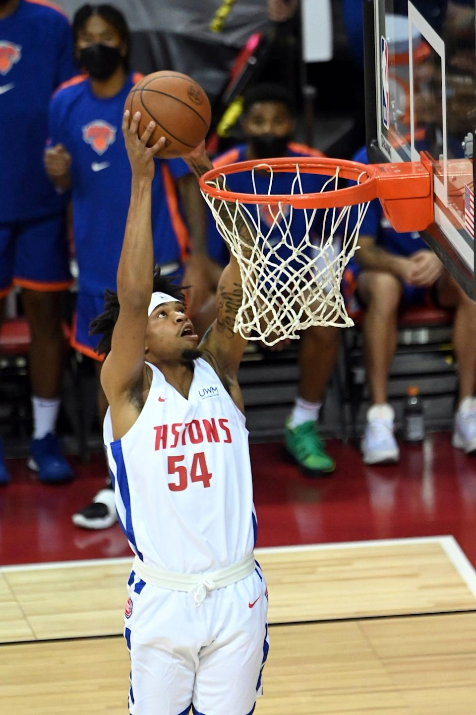 Pistons forward Jamorko Pickett dunks against the Knicks during the Summer League game on Friday, Aug. 13, 2021, in Las Vegas.
