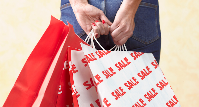 45 per cent of Canadians are planning to spend an average of $738 this Black Friday