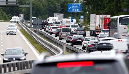 Majority of Germans demand tougher gov't stance towards automotive industry