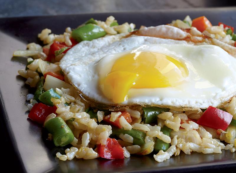 Vegetarian fried rice with a fried egg