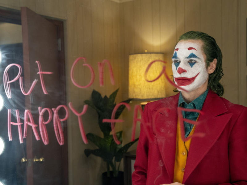 Wie lange wird der wahnsinnige Joker noch im Verborgenen bleiben? (Bild: © 2019 Warner Bros. Entertainment Inc. All Rights Reserved. TM & © DC Comics)