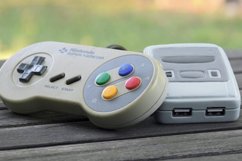Fan-made mini-SNES puts Nintendo's official hardware to shame