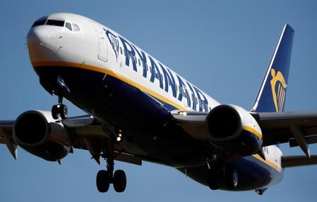 Ryanair to shut four Spanish base next year: union