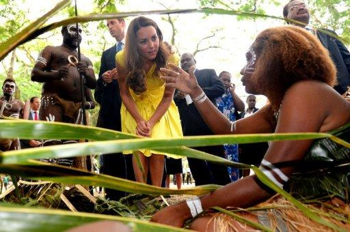 Prince William and wife Catherine have been greeted by huge crowds in the Solomon Islands