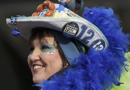 A Seattle Seahawks fan waits to enter the stadium before the start of the NFL Super Bowl XLVIII football game against the Denver Broncos in East Rutherford, New Jersey, February 2, 2014. REUTERS/Andrew Kelly
