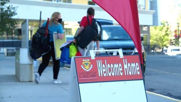 Move-in day for the fall semester at the University of Calgary was a different experience for students due to the pandemic in 2020. The school says it's planning to gradually bring campus life back to normal for the fall 2021 semester. (Helen Pike/CBC - image credit)