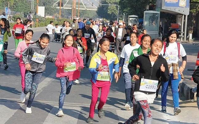 <p>More than 15,000 participants from all sections of society participated in the run.</p>