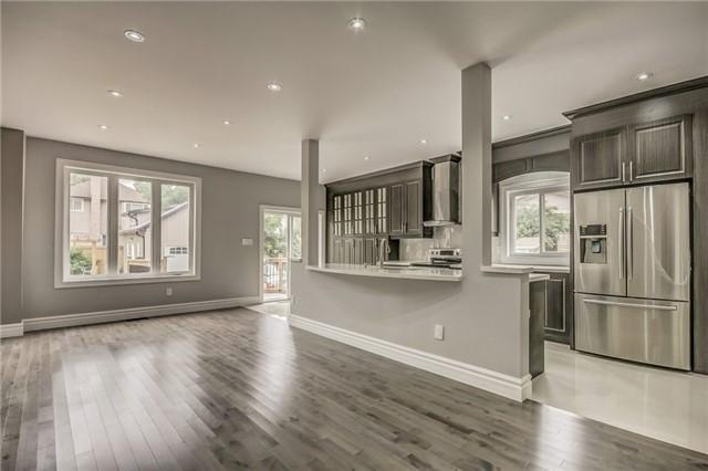 <p>6 William St., Brampton, Ont. The kitchen includes stainless appliances, granite countertops and ceramic tile. (Photo: Zoocasa) </p>