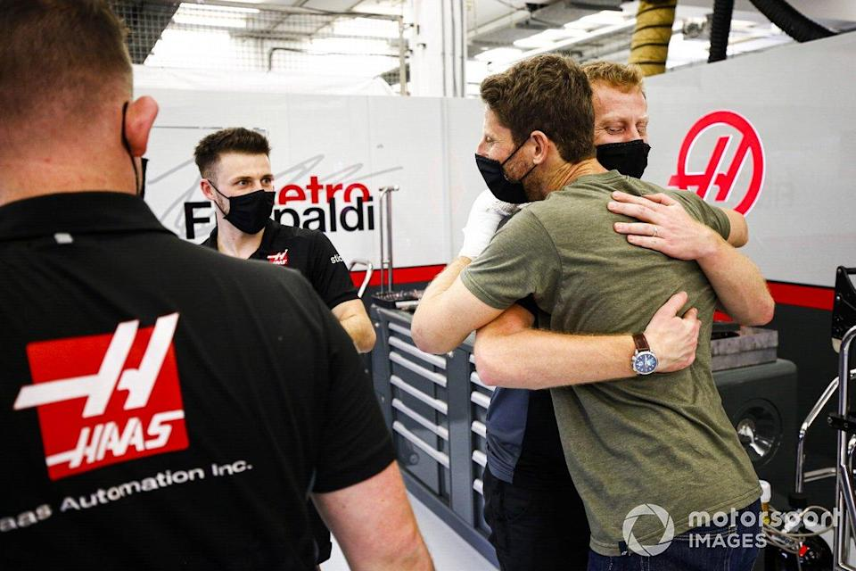 """Romain Grosjean, Haas F1 retuns to the garage after his crash<span class=""""copyright"""">Andy Hone / Motorsport Images</span>"""