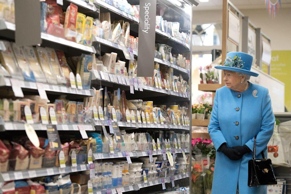 <p>Can you imagine looking for the cheddar and finding Queen Elizabeth perusing the aisle next to you? Sure, maybe she wasn't shopping for her own fridge, but she did look very absorbed by the items on the shelves. </p>