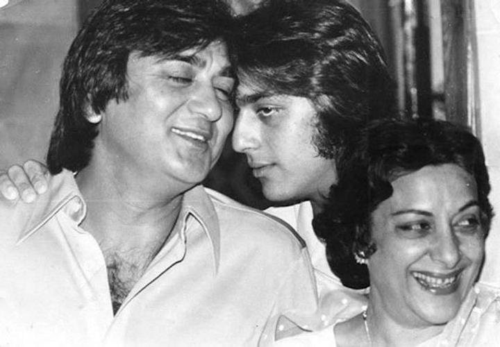 sanjay dutt with parents