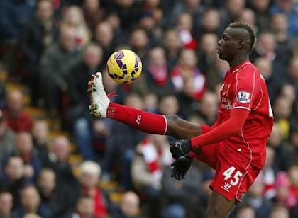 Liverpool's Mario Balotelli controls the ball during their English Premier League soccer match against Chelsea at Anfield in Liverpool, northern England, November 8, 2014. REUTERS/Phil Noble