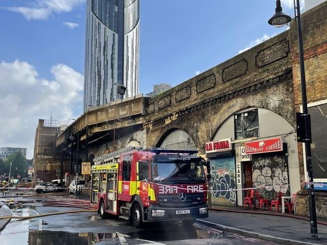 Fire at Elephant and Castle station