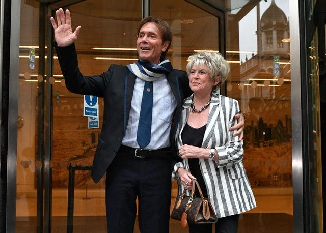 Sir Cliff Richard with Gloria Hunniford, during his case against the BBC