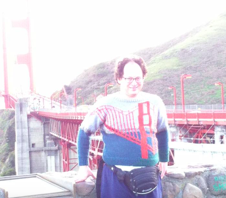 <p>If you're at the Golden Gate Bridge in San Francisco, get a picture of yourself WEARING the Golden Gate Bridge in San Francisco. (Pic: Imgur) </p>