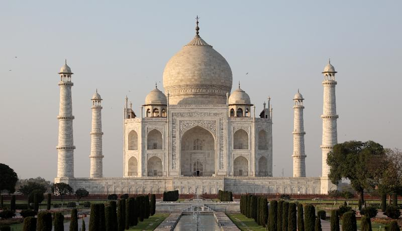 Take expert help to save Taj from fading, says Supreme Court