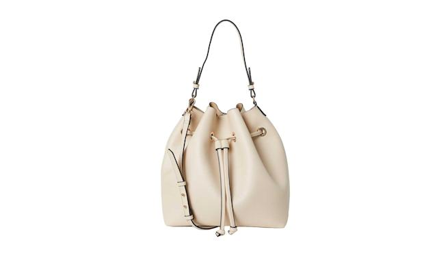 Vanilla white bucket bag (Photo: H&M)