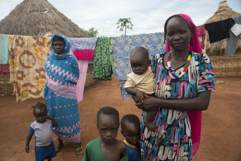 Refugees from Sudan pictured in Pladama-Ouaka camp, 10 km from Bambari, Central African Republic, on April 17, 2014 (AFP Photo/Miguel Medina)
