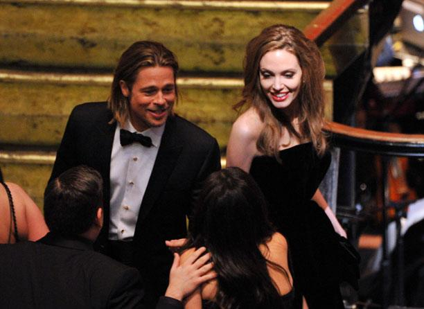 Angelina Jolie Wears Kate Middleton's Pretty Ballerinas Clutch to the Oscar Awards!