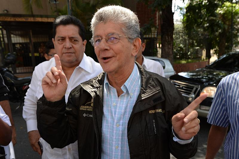 The President of the Venezuelan National Assembly, Henry Ramos Allup, seen in Caracas, on October 12, 2016 (AFP Photo/Federico Parra)