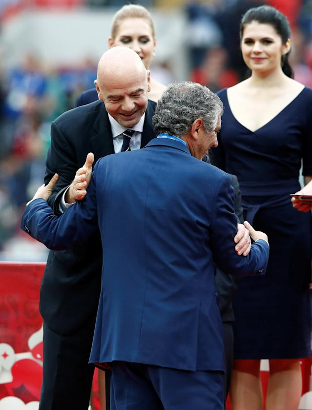 Soccer Football - Portugal v Mexico - FIFA Confederations Cup Russia 2017 - Third Placed Play Off - Spartak Stadium, Moscow, Russia - July 2, 2017 Portugal coach Fernando Santos is congratulated by FIFA President Gianni Infantino after the game REUTERS/Sergei Karpukhin