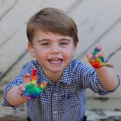 <p>Prince Louis celebrated his second birthday with his most adorable photos yet, featuring his hands covered in paint as he worked on a painting to support the National Health Service.</p>