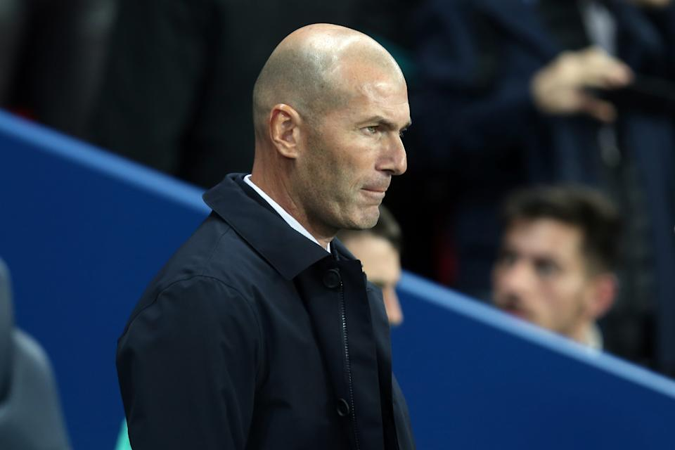 PARIS, FRANCE - SEPTEMBER 18: head coach Zinedine Zidane of Real Madrid looks on during the UEFA Champions League group A match between Paris Saint-Germain and Real Madrid at Parc des Princes on September 18, 2019 in Paris, France. (Photo by TF-Images/Getty Images)