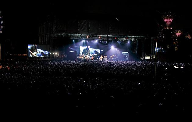The sea of concertgoers at The Meadow (Photo courtesy of Warner Music)