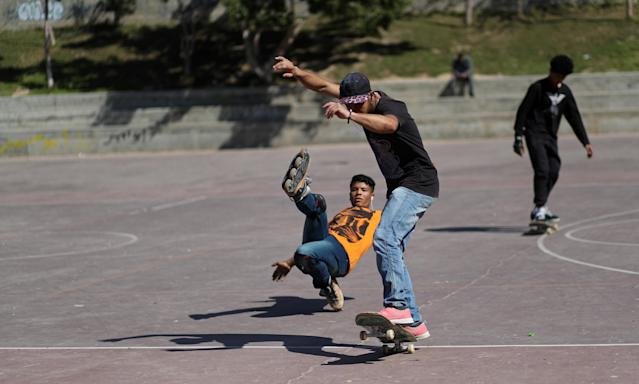 Members of Gaza Skating Team, Mohammad Al-Sawalhe, 23, and Mustafa Sarhan, 19, practice their rollerblading and skating skills in Gaza City March 10, 2019. Picture taken March 10, 2019. REUTERS/Mohammed Salem