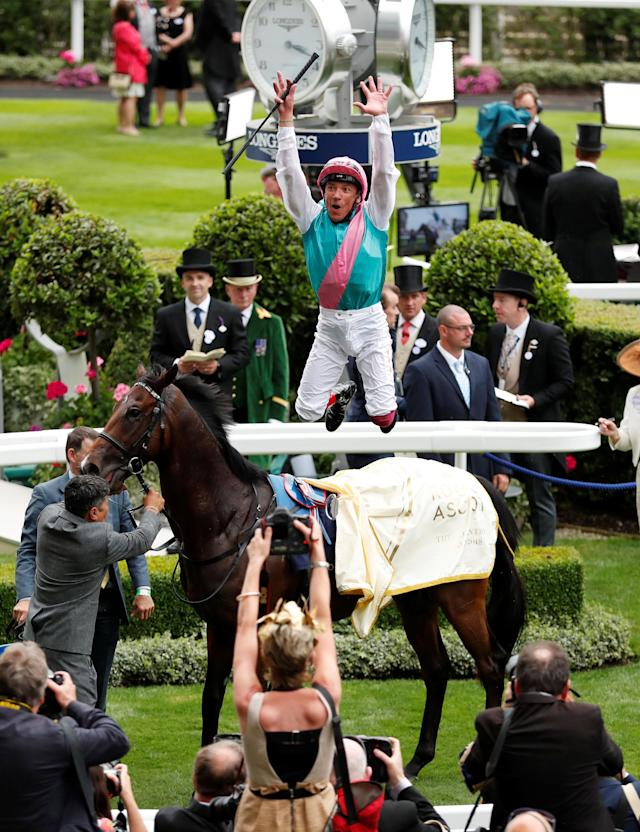 Horse Racing - Royal Ascot - Ascot Racecourse, Ascot, Britain - June 19, 2018 Frankie Dettori celebrates on Calyx after winning the 3.05 Coventry Stakes REUTERS/Andrew Boyers