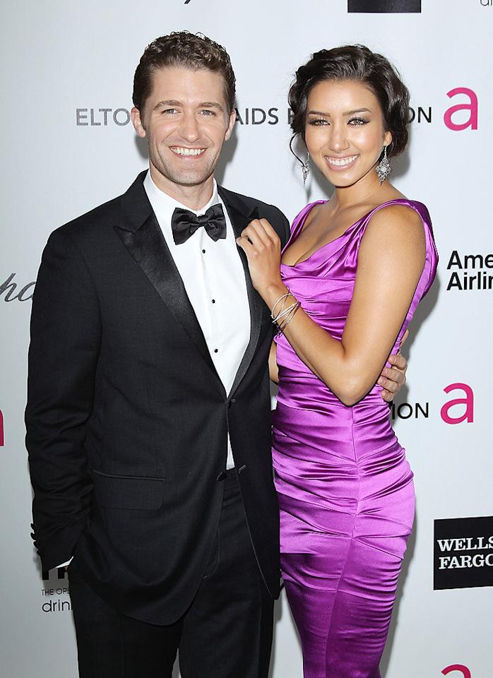 Matthew Morrison and his gal pal, Renee Puente, flashed their pearly whites for photographers before heading into Elton's swanky shindig.