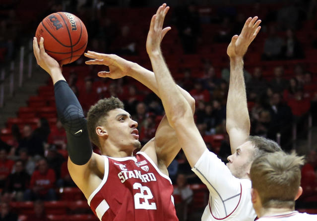 "<a class=""link rapid-noclick-resp"" href=""/ncaab/players/126433/"" data-ylk=""slk:Reid Travis"">Reid Travis</a> (22) averaged 19.5 points and 8.7 rebounds per game in 2017 at Stanford. He will play his final year at Kentucky. (AP Photo/Rick Bowmer)"