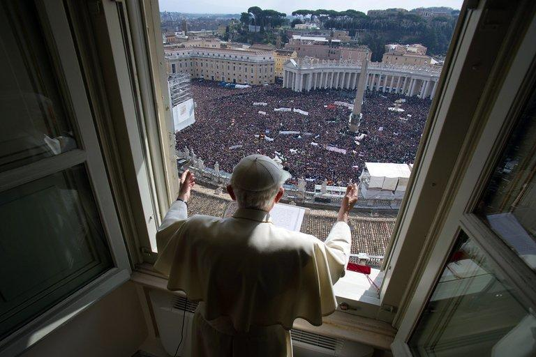 Pope Benedict XVI leads the Angelus prayer from the window of his appartments on February 24, 2013 at the Vatican